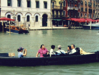 gondola-ride-in-Venice