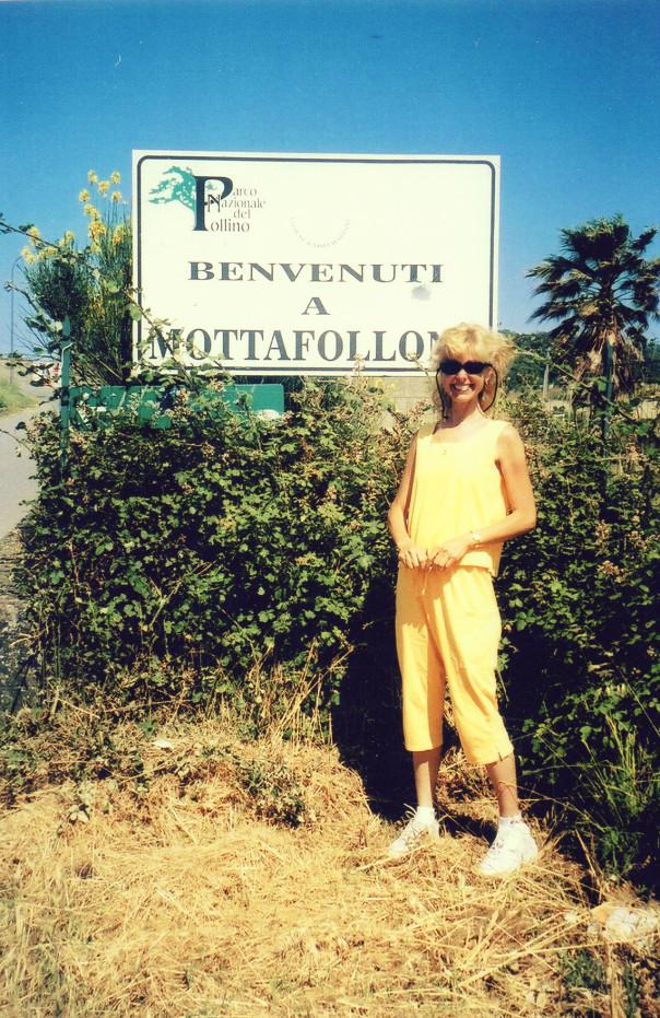 Marianne at Mottafollon Sign